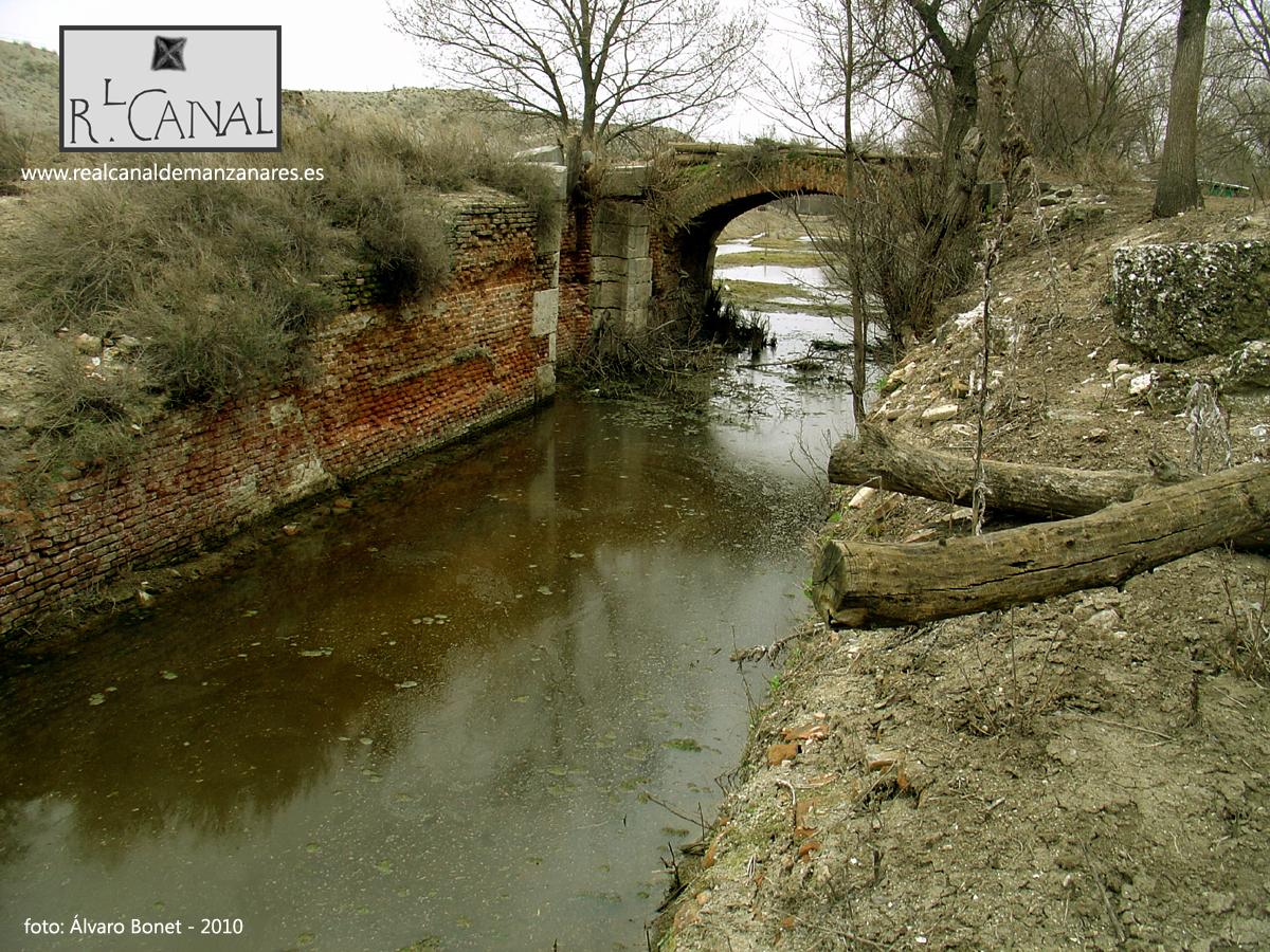 Vaso de la Novena Esclusa llena de agua. marzo 2010
