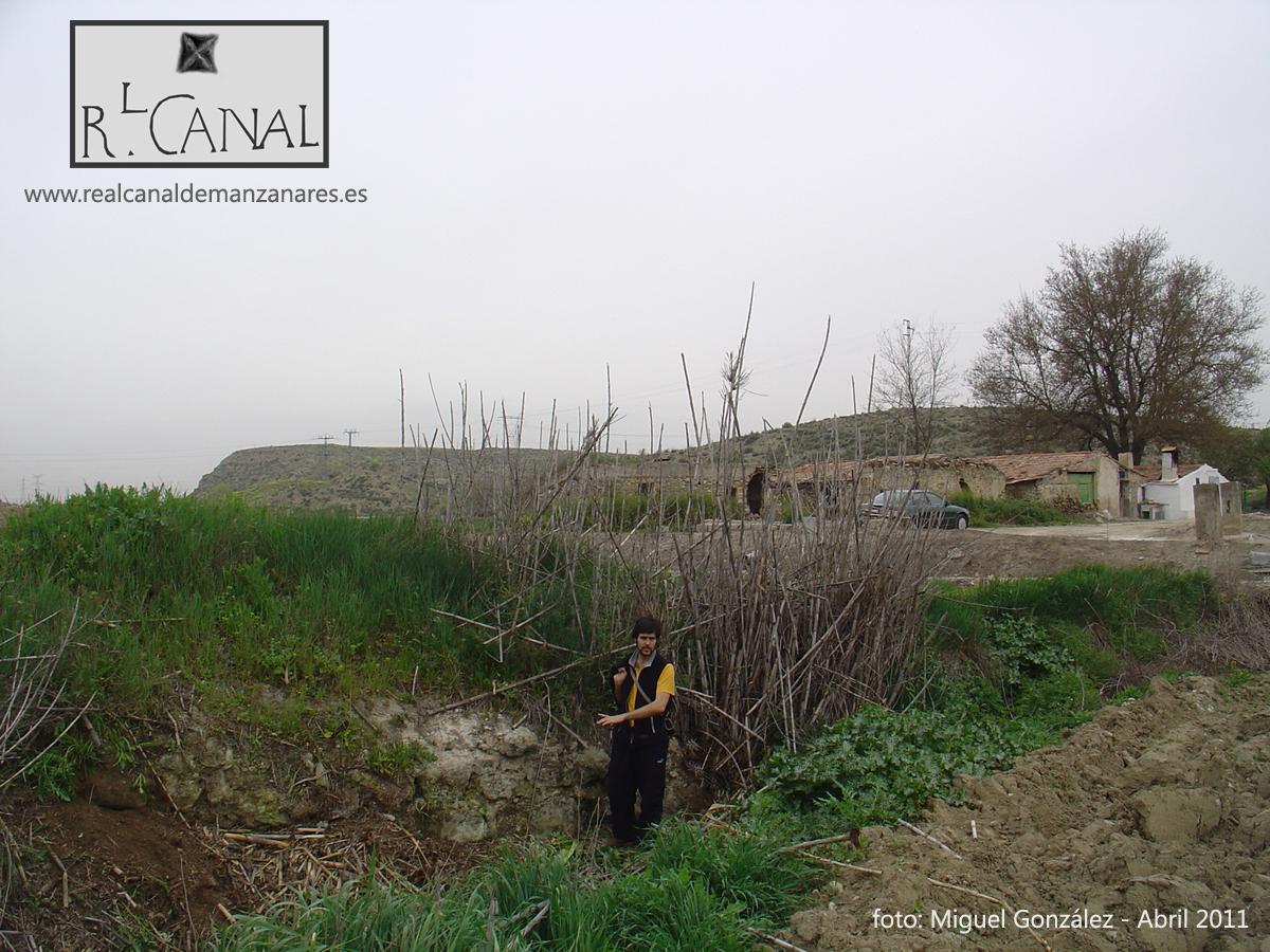 Restos encontrados por Amigos del Canal en Abril de 2011